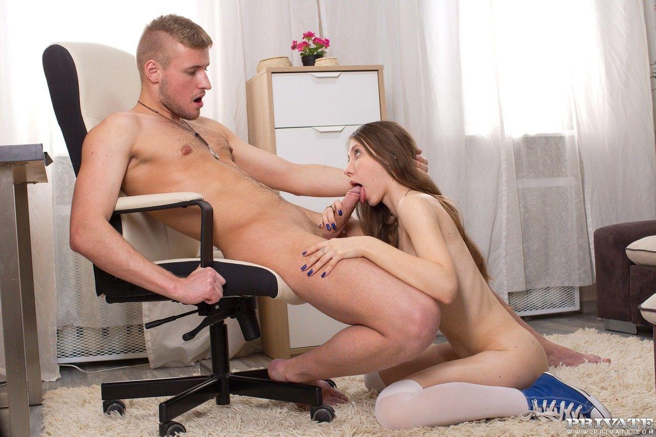 novinha gostosa em fotos eroticas de sexo dando a buceta e o cu 5 - Novinha gostosa em fotos eróticas de sexo dando a buceta e o cu