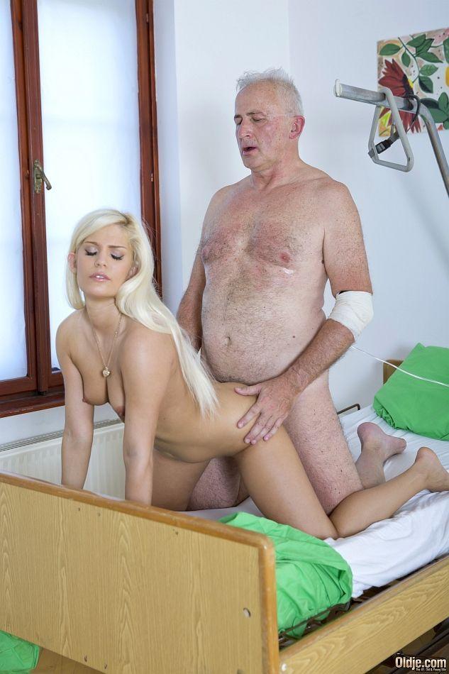 historias porn av comendo neta em fotos picantes de incesto 15 - Histórias pornô avô comendo neta em fotos picantes de incesto