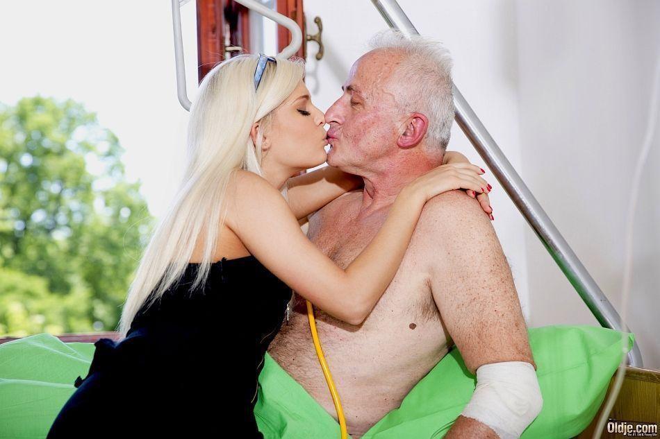 historias porn av comendo neta em fotos picantes de incesto 2 - Histórias pornô avô comendo neta em fotos picantes de incesto
