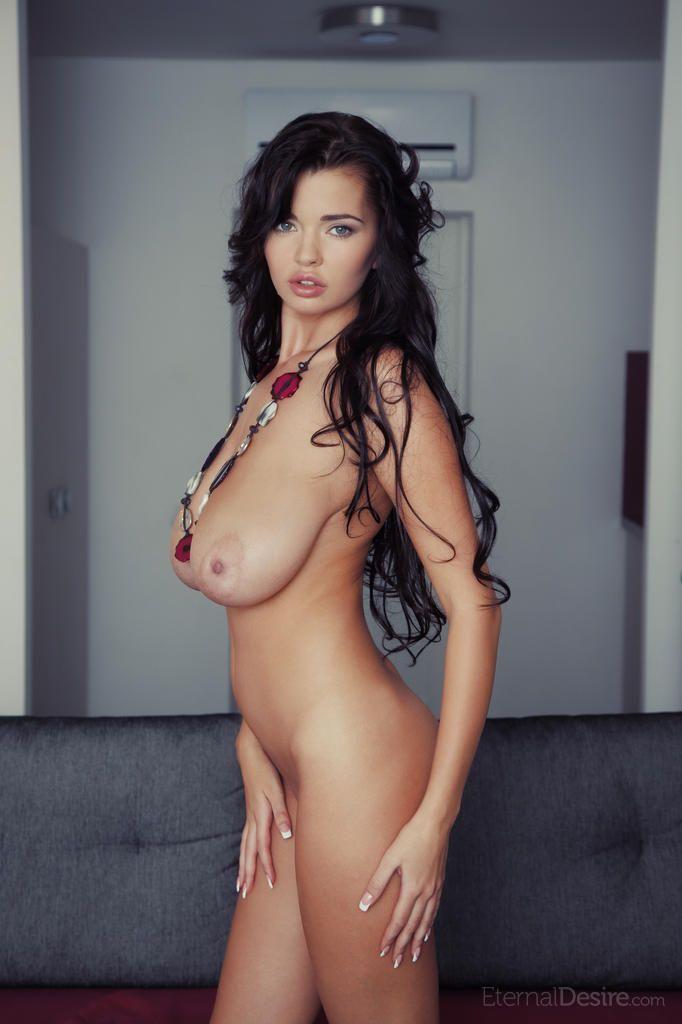 fotos sexy de peituda morena linda se exibindo pelada 1 - Fotos sexy de peituda morena linda se exibindo pelada