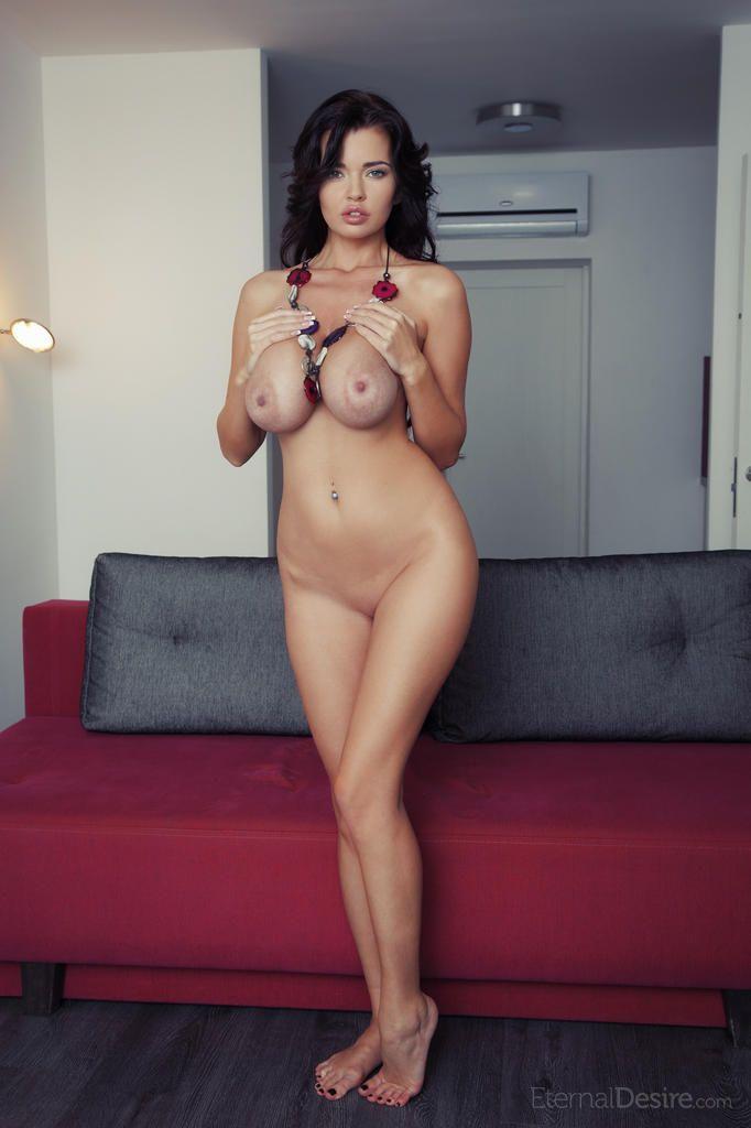 fotos sexy de peituda morena linda se exibindo pelada 2 - Fotos sexy de peituda morena linda se exibindo pelada