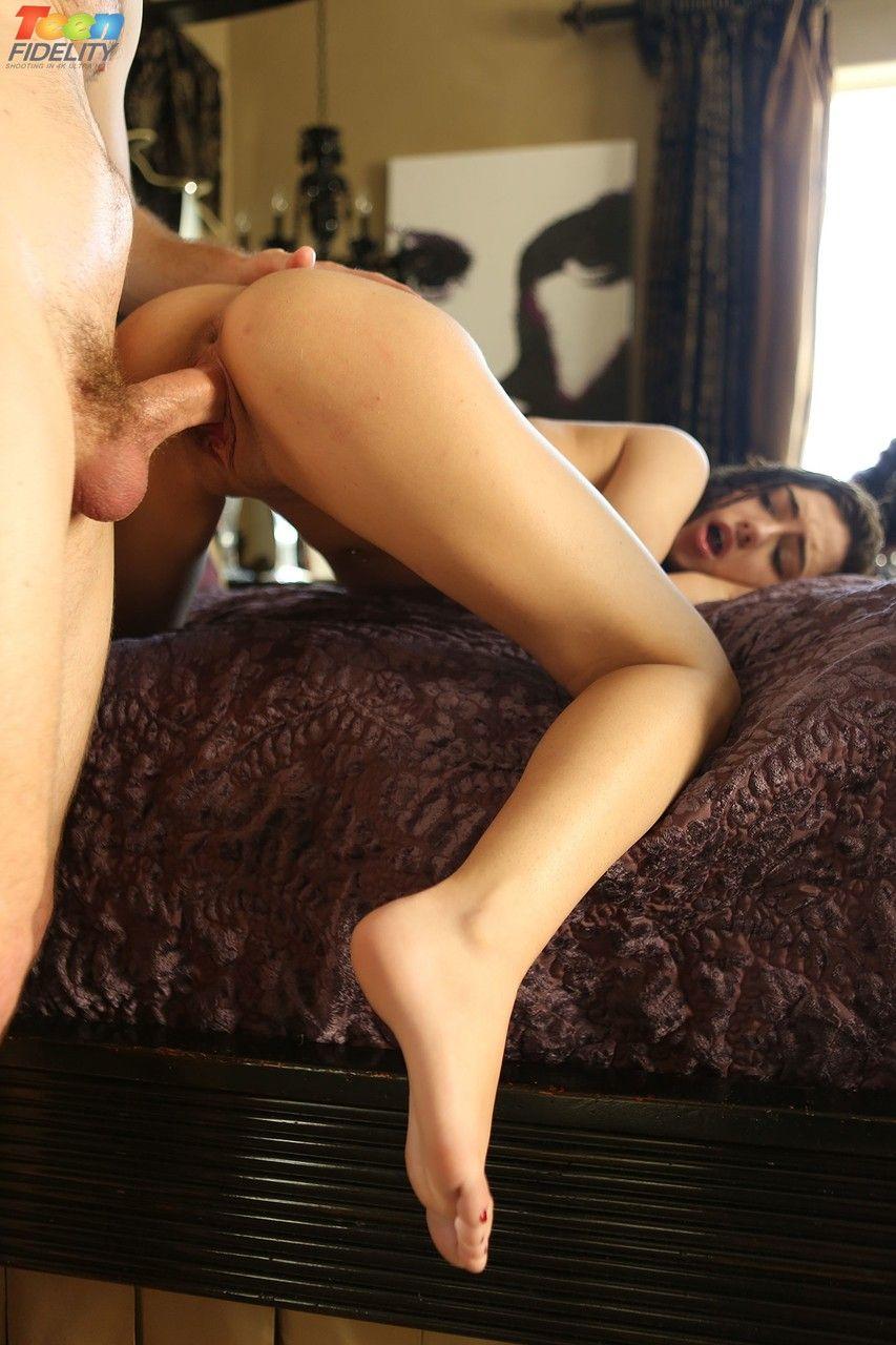fotos brutas de sexo quente com novinha tomando surra de pau 17 - Fotos brutas de sexo quente com novinha tomando surra de pau
