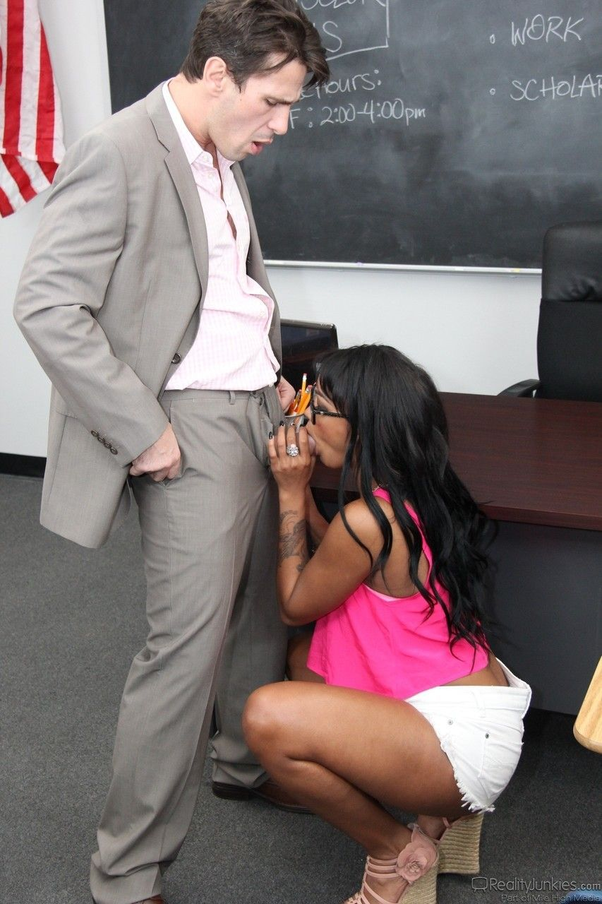 fotos de aluna safada dando pro professor dotado 2 - Fotos de aluna safada dando pro professor dotado