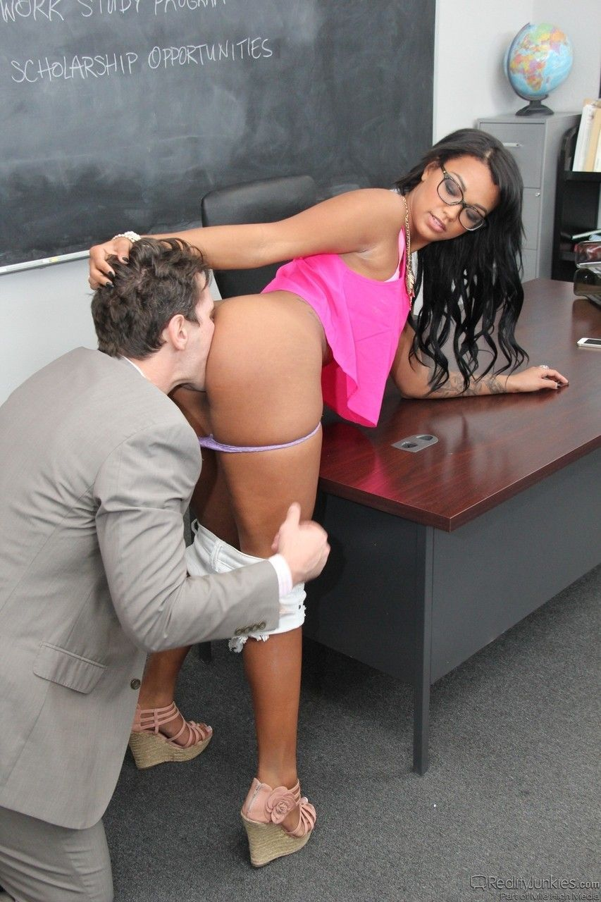 fotos de aluna safada dando pro professor dotado 5 - Fotos de aluna safada dando pro professor dotado
