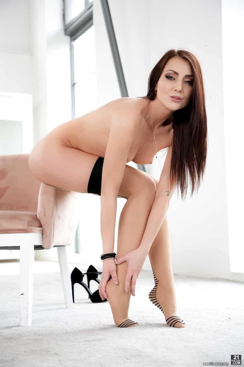 fotos porn anal com branquinha linda e sensual 4 - Fotos pornô anal com branquinha linda e sensual
