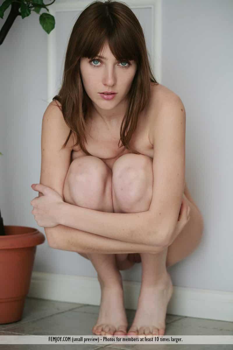 novinha peituda fica nua em ensaio sensual picante 6 - Novinha peituda fica nua em ensaio sensual picante