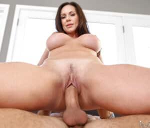 Mulher madura peituda em fotos de sexo HD