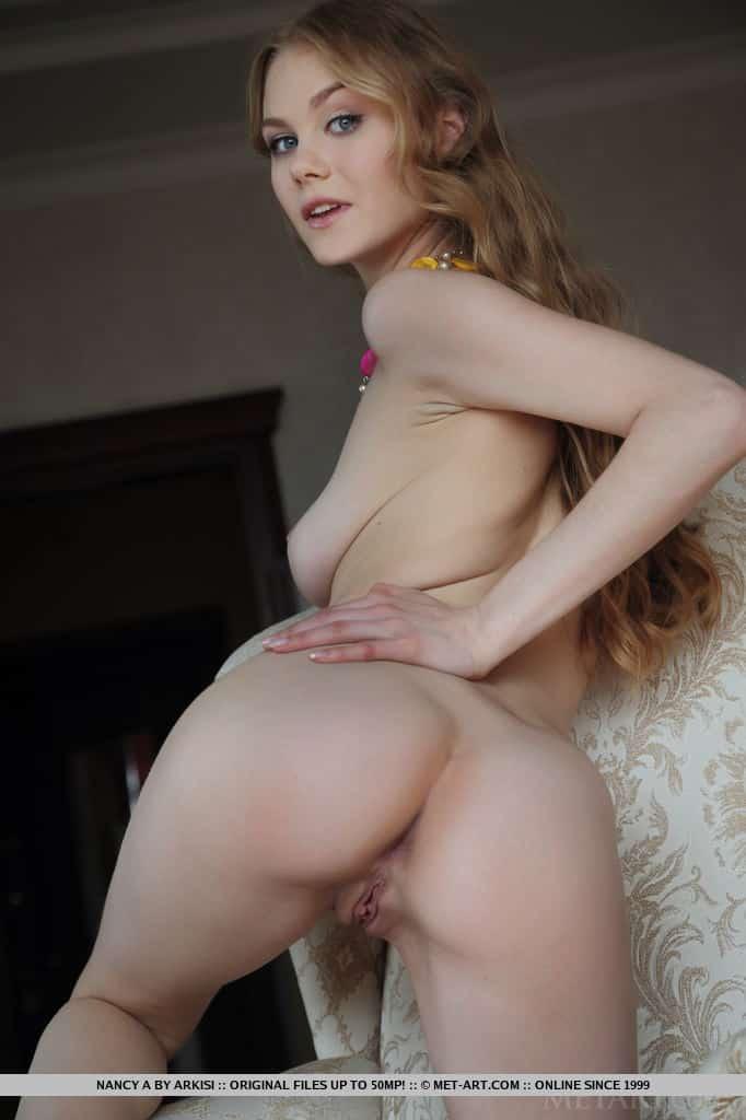 novinha sexy toda nua exibindo o corpo em fotos 16 - Novinha sexy toda nua exibindo o corpo em fotos