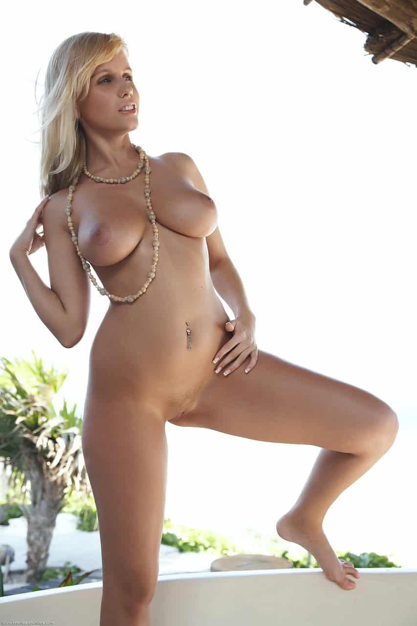 mulher gostosa toda nua mostrando a bucetinha rosada 9495 - Mulher gostosa toda nua mostrando a bucetinha rosada