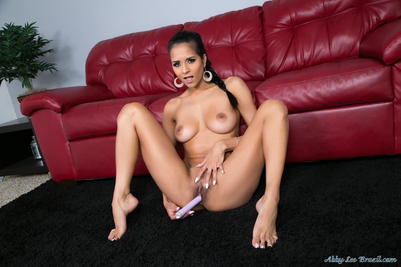 mulher nua flexivel em fotos de masturbacao 10 - Mulher nua flexível em fotos de masturbação