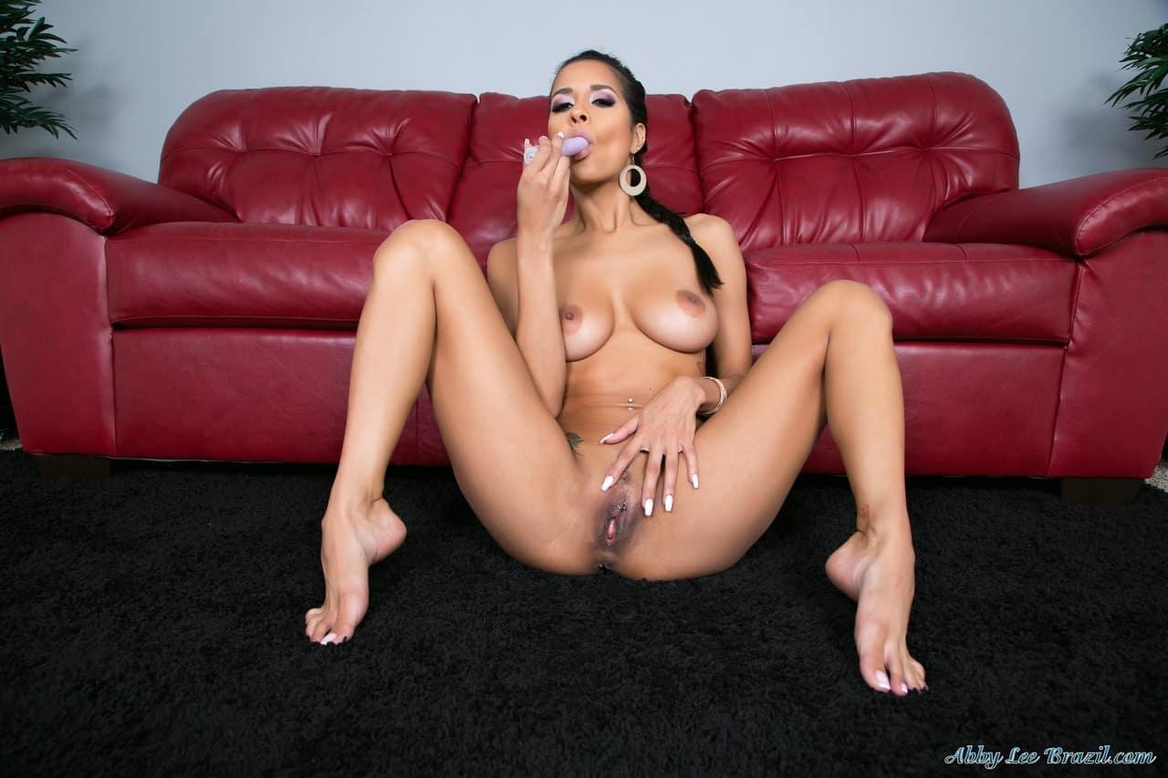 mulher nua flexivel em fotos de masturbacao 12 - Mulher nua flexível em fotos de masturbação