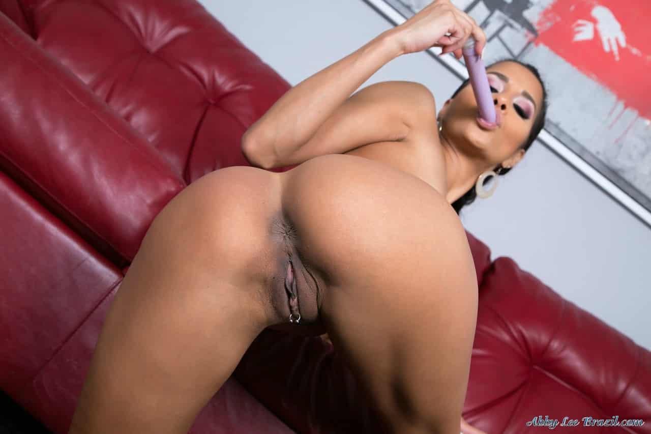 mulher nua flexivel em fotos de masturbacao 16 - Mulher nua flexível em fotos de masturbação