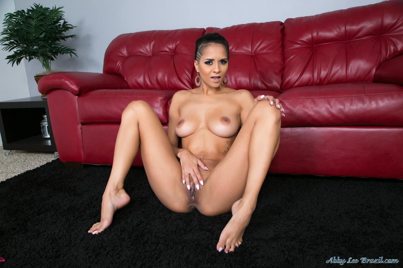mulher nua flexivel em fotos de masturbacao 5 - Mulher nua flexível em fotos de masturbação
