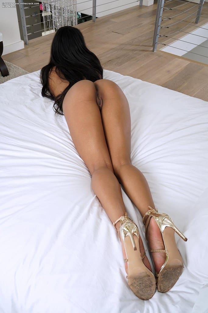 fotos de bucetuda peladinha se masturbando 1168 - Fotos de bucetuda peladinha se masturbando