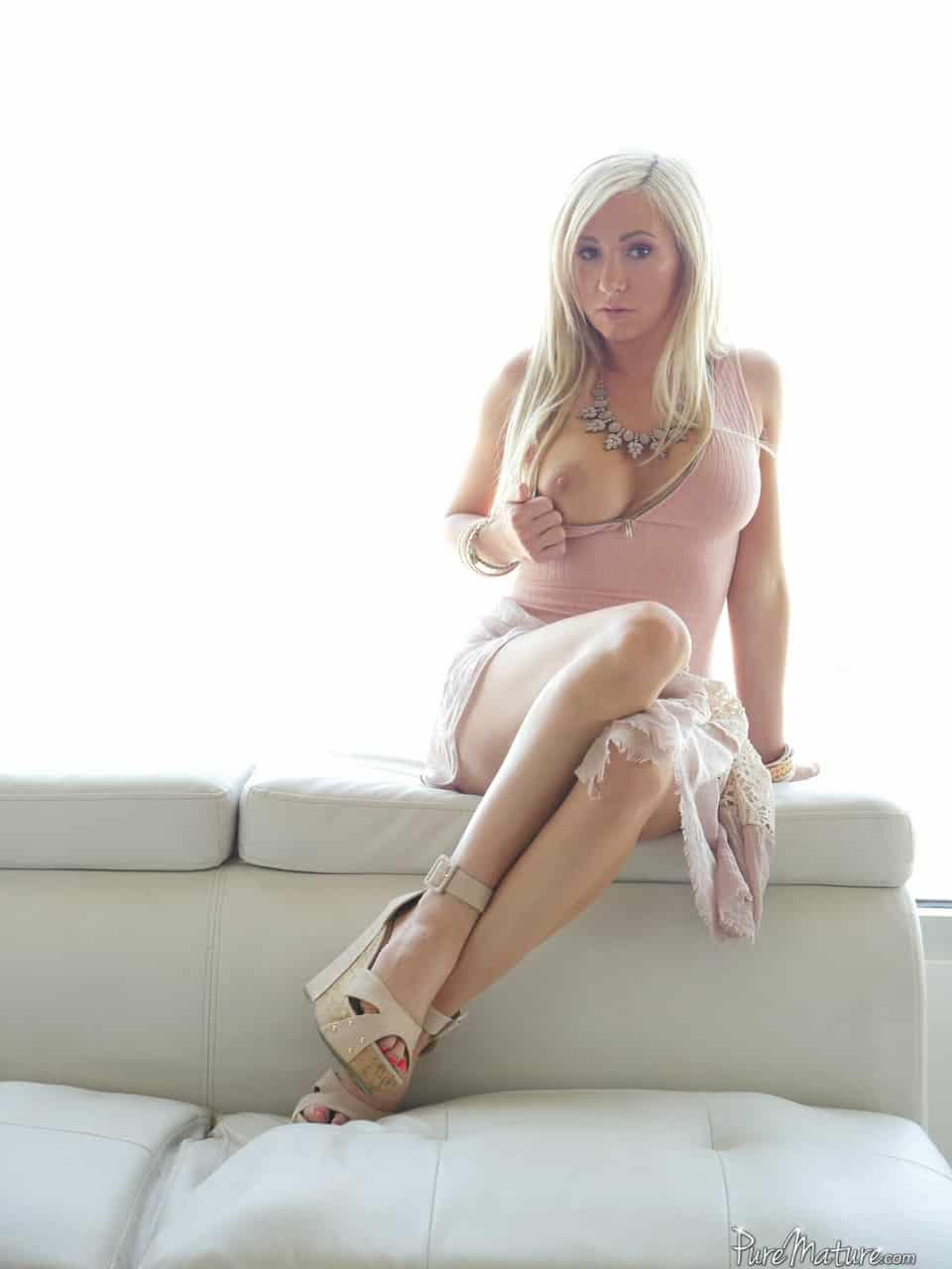 fotos de loira safada nua mostrando o bucetao 9418 - Fotos de loira safada nua mostrando o bucetão
