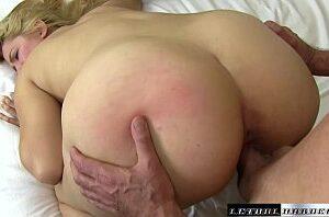 Bunda grande e buceta carnuda bem apertadinha